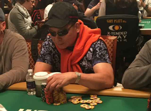 wsop johnny chan happy to remain hidden at 2016 wsop main. Black Bedroom Furniture Sets. Home Design Ideas