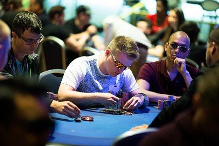 'FouEnculePL' Trades Pool Shark for Poker Shark