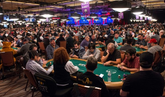 Huge Crowd for Day 1C (Joe Giron Photos/WSOP)