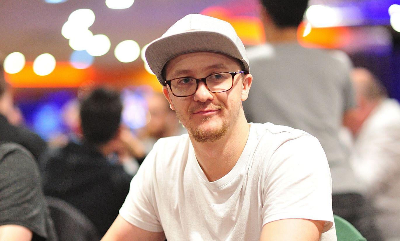 Покер на очки онлайн почему нельзя играть в казино