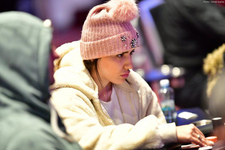 WSOP: Malikeh Jamali Beats the Pros to Win $239K, WSOP Bracelet