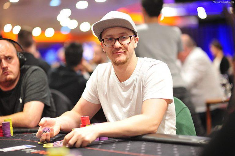 'jedmiaster82', Kahle Burns, 'nilsef' Each Win WCOOP PLO Main Events